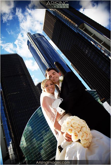 Wedding photos by the Renaissance center in detroit