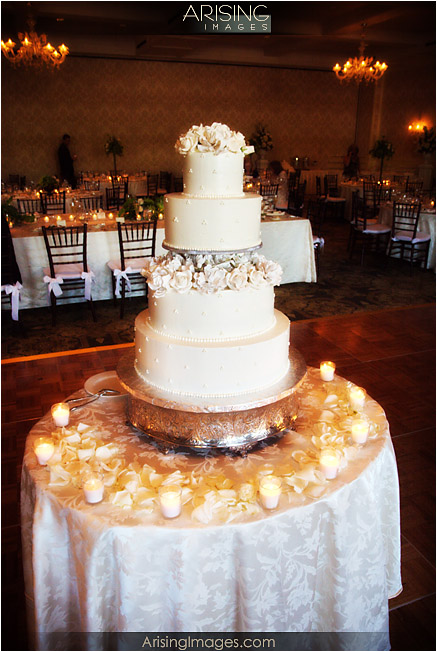 Wonderful Setting Up A Wedding Cake Table Gallery - Best Image ...