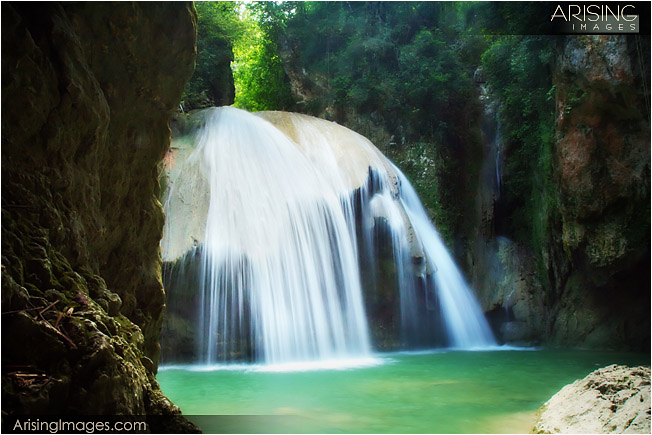 waterfall screensaver slideshow