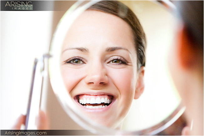 photos of bride getting ready