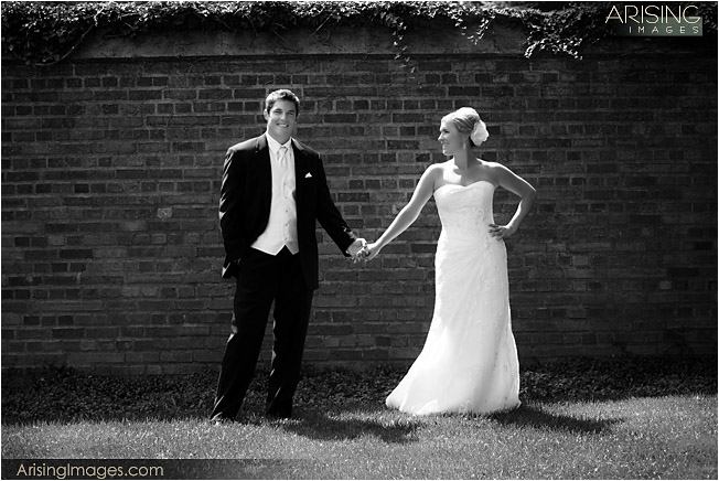 wedding photos on the grounds of meadow brook mansion