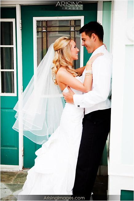 wedding photos in downtown northville, mi