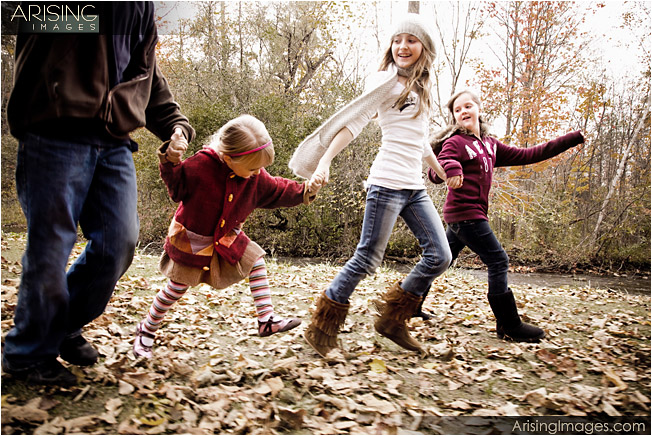 michigan photographer who can capture kids running and playing