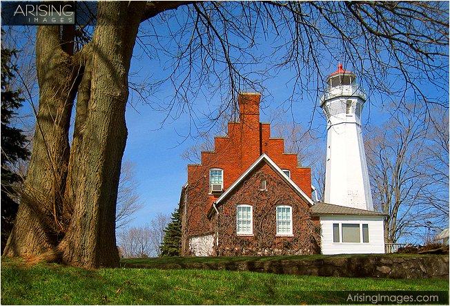 photo of port sanilac lighthouse
