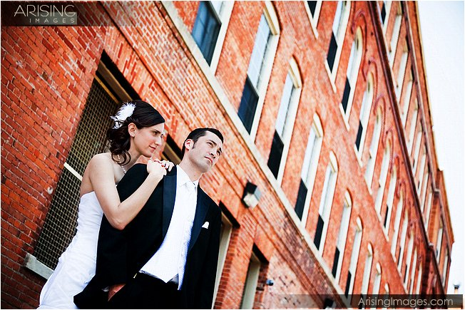 wedding photos in downtown detroit