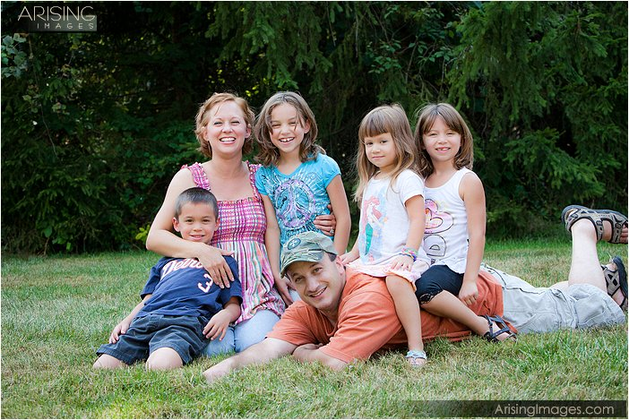candid and casual family portraits in rochester hills, mi