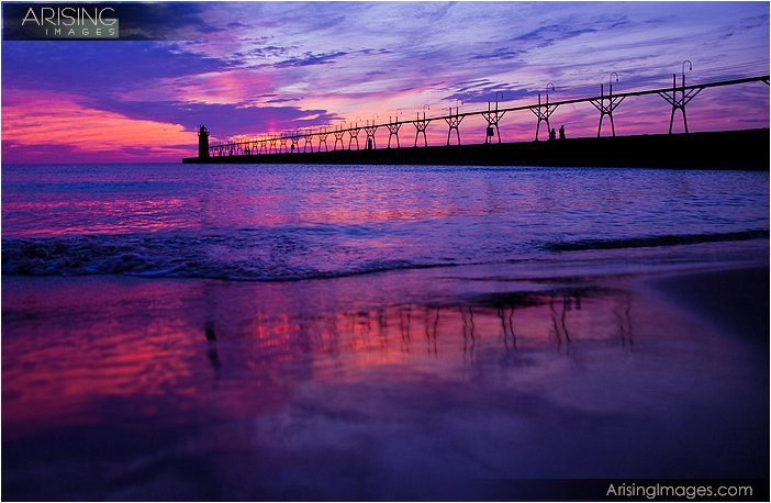 photos of sunrise at the south haven light house