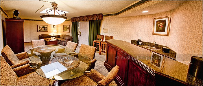 presidential suite at embassy suites livonia, mi