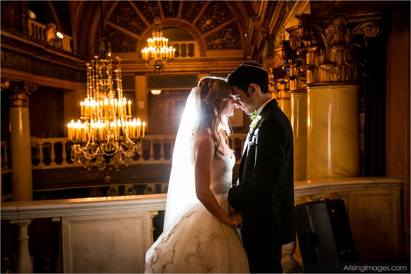 What to look for when hiring a Michigan wedding photographer