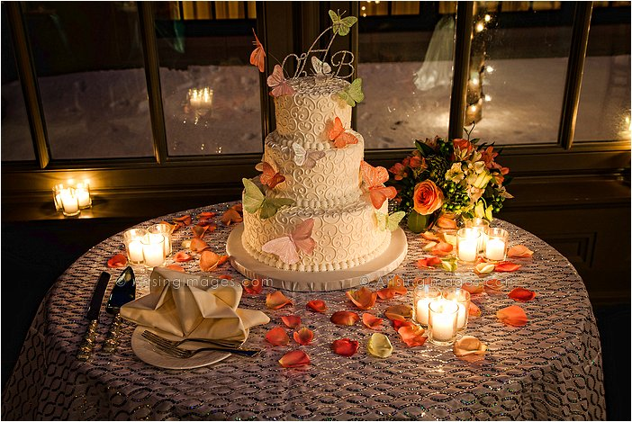 beautiful wedding cakes in michigan
