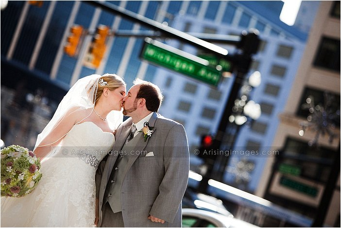 beautiful wedding photography at the westin book cadillac detroit, michigan