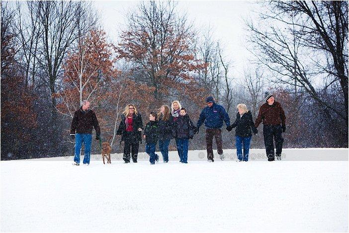 michigan family shoot at farmhouse