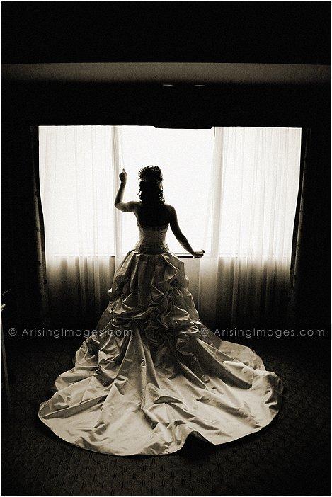 artistic wedding photography at hyatt dearborn