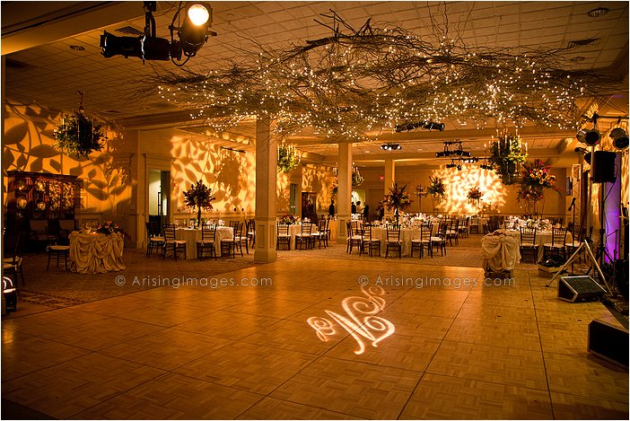 beautiful indoor michigan wedding reception photography