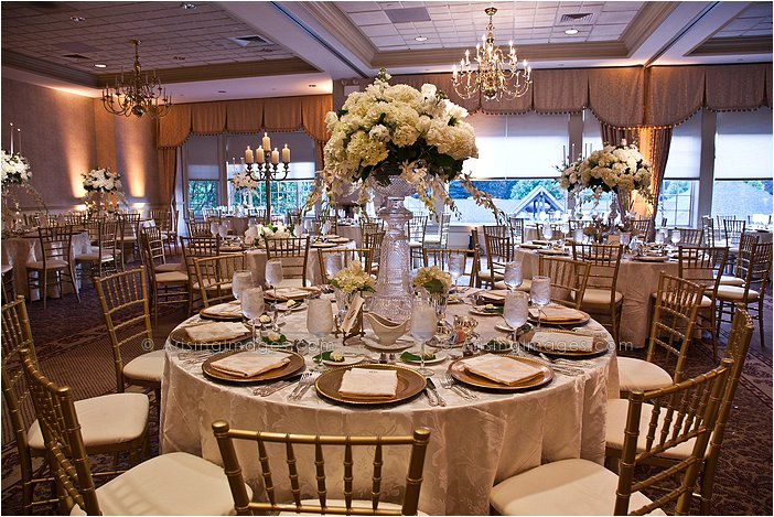lovely indoor michigan wedding reception photography