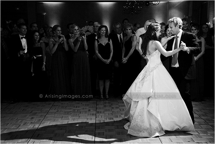 bride and groom dance picture at knollwood country club, Mi
