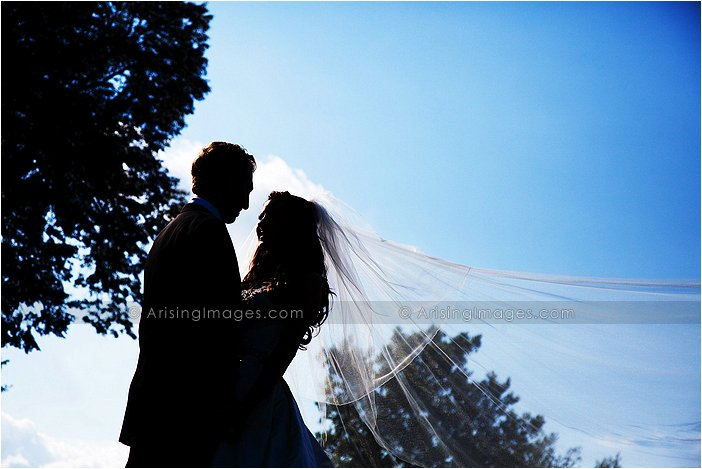 intimate outdoor wedding photography at knollwood country club, Mi