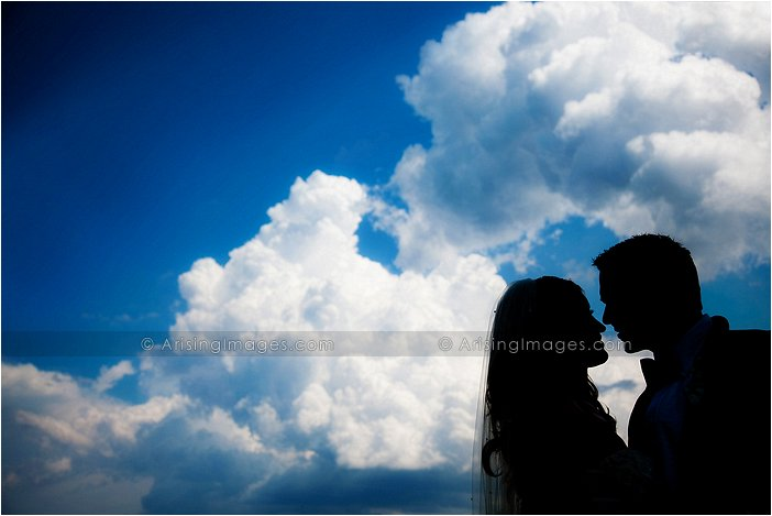 artistic outdoor wedding photography at orchard lake country club