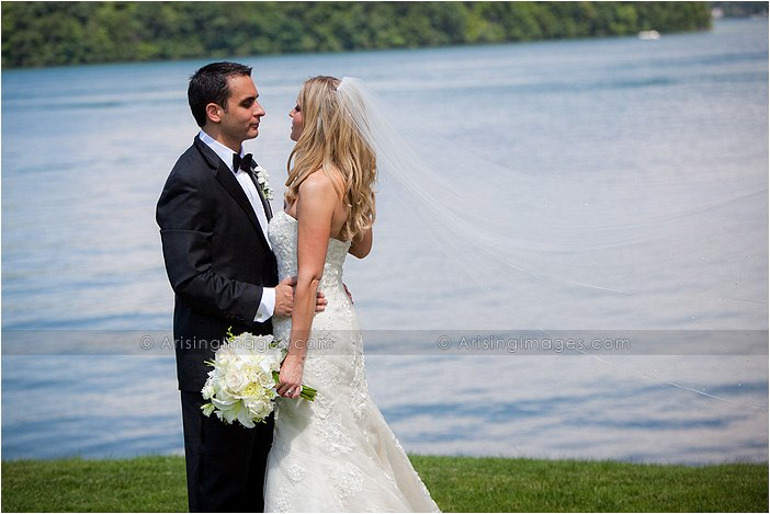 lovely outdoor wedding photography at orchard lake country club