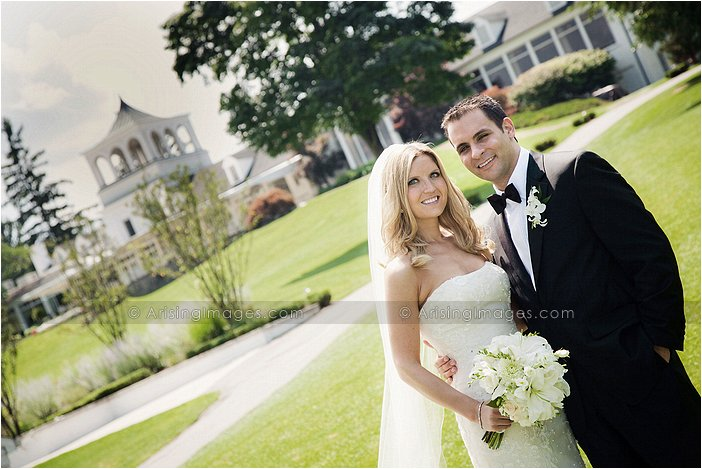 gorgeous outdoor michigan wedding photography at orchard lake country club