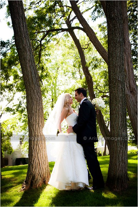 intimate outdoor wedding photography at orchard lake country club, MI