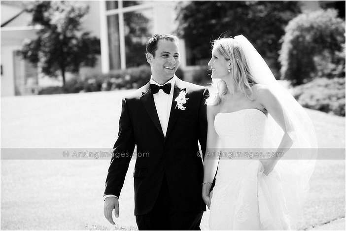 classic outdoor michigan wedding photography at orchard lake country club