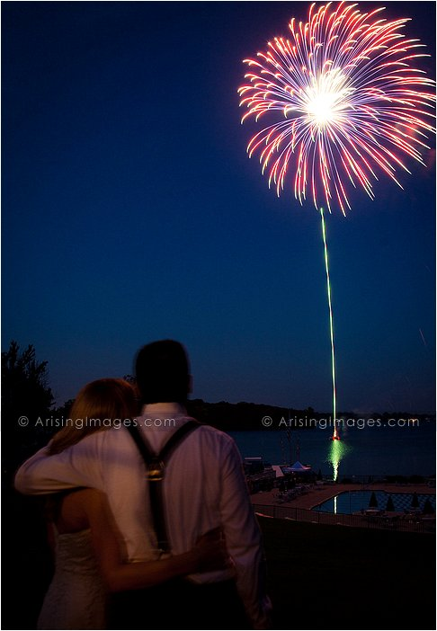 fourth of july michigan outdoor wedding photography at orchard lake country club