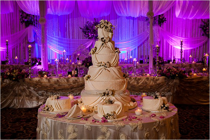 magnificent wedding cake at palazzo grande shelby township, MI