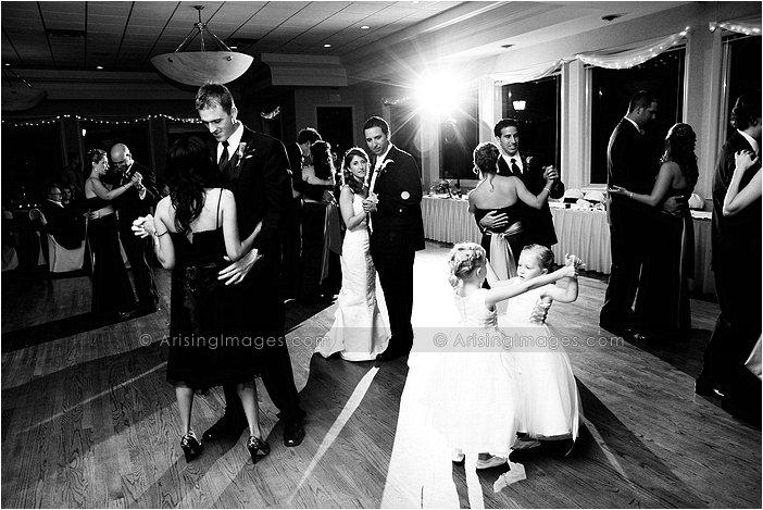 fantastic wedding photography done at sycamore hills, michigan