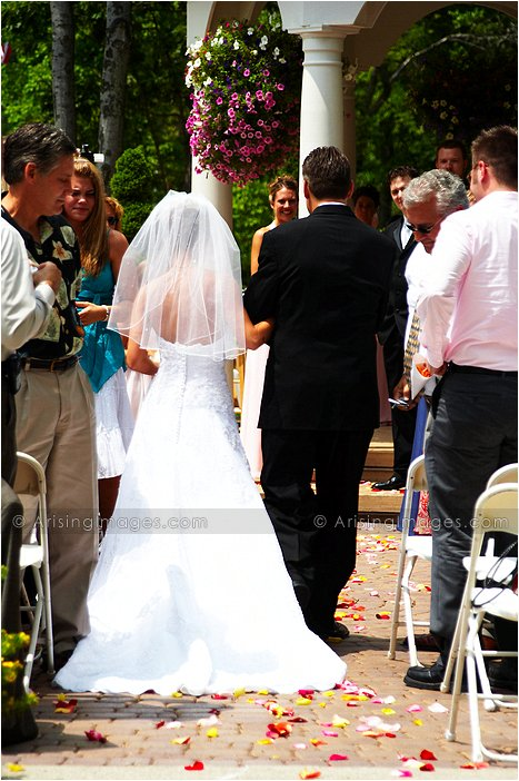 lovely outdoor michigan wedding ceremony photography