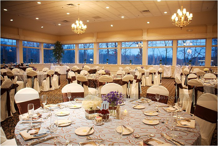indoor michigan wedding reception at twin lakes golf course