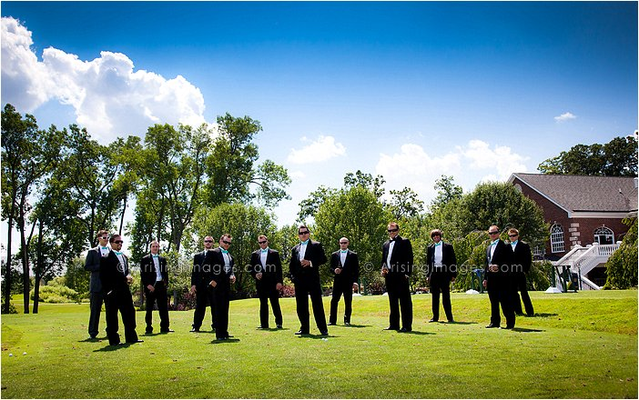 wedding party pictures at wyndgate country club, Mi