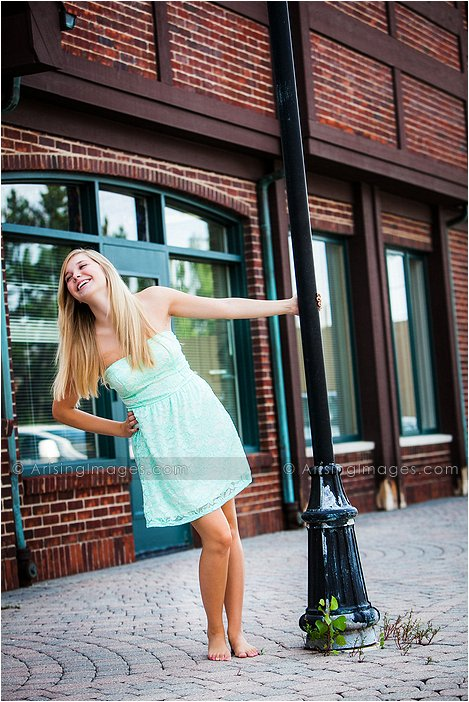 high school senior pictures in downtown rochester, mi
