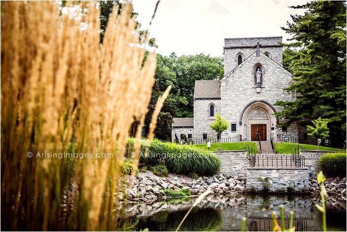 wedding photos at st hugo bloomfield hills