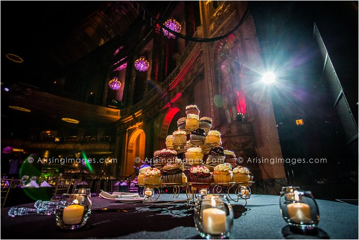 beautiful wedding photography at the fillmore detroit