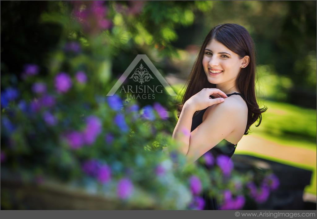 senior pictures in garden