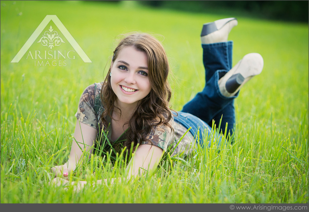beautiful senior pics in Lake Orion
