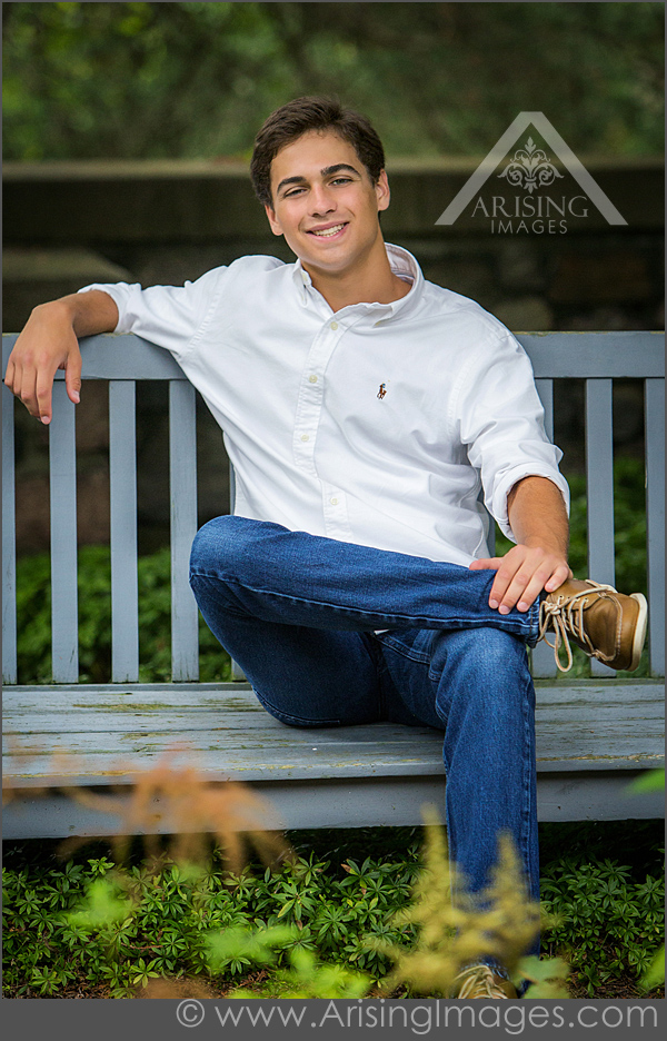 Cool Senior Picture outfits for guys