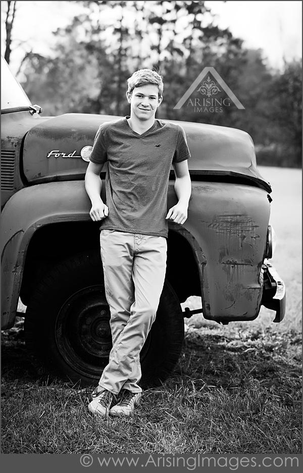 Senior picstures with trucks