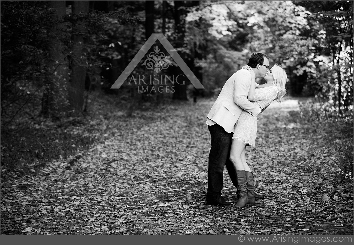 Gorgeous black and white engagement photos