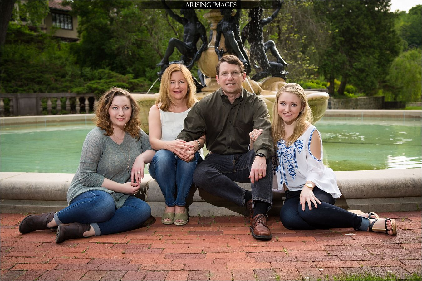 Getting Family Pictures Done Before College Begins